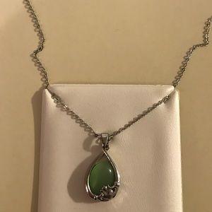 Jewelry - GREEN TIGER EYE CLADDAGH NECKLACE